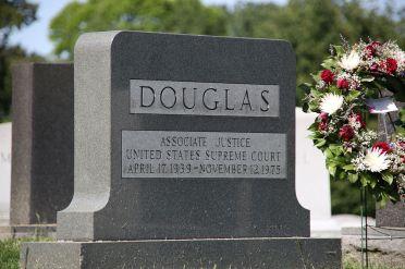 Grave_of_William_O_Douglas_-_Arlington_National_Cemetery_-_2012-05-19